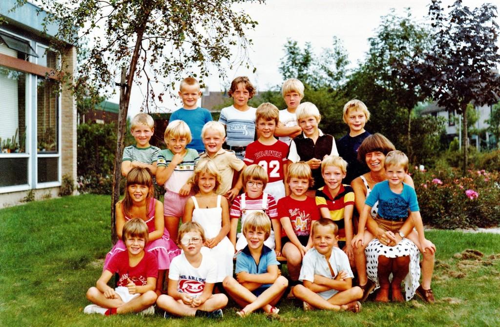 piershil-schoolfoto-ols-klas1-80-81
