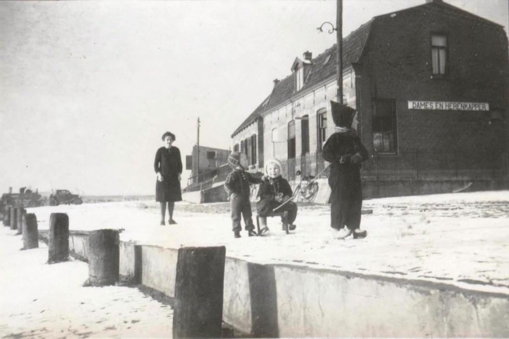1943-kade16-01