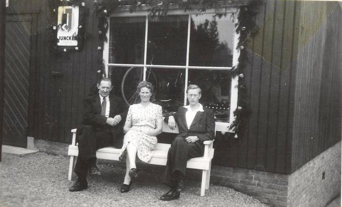 bervoets-klaaswaal-1948-piet-met-ouders
