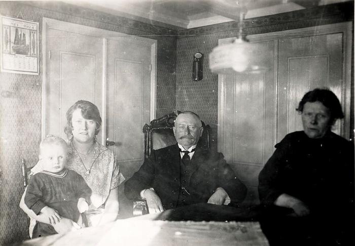 Johannes-met-echtgenote-Antonia-kind-is-Johannes-van-Wijngaarden