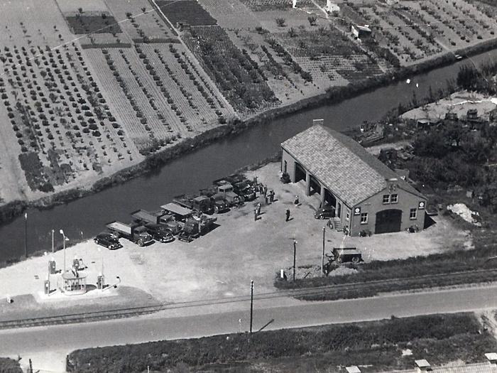 garage-numansdorp-luchtfoto-circa1954