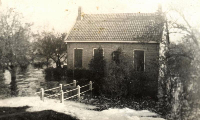 numansdorp-schuringsedijk41-inundatie-leeg-van20-2-44-tot-28-5-1945